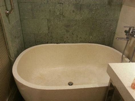Big Bathtub That Almost Big Enough For 2 Person Picture Of The Settlement Hotel Melaka Tripadvisor