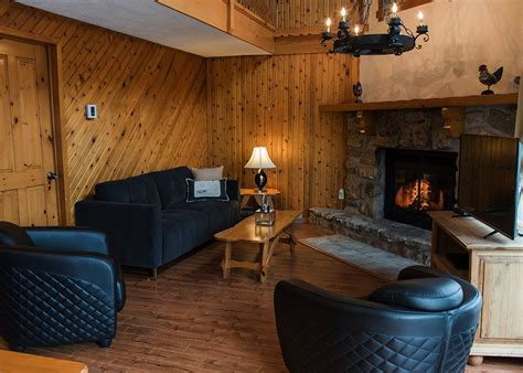 chambres a louer chalet 224 louer 2 chambres deluxe laurentides chalets