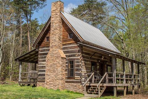 bear creek log cabins    log cabin campground