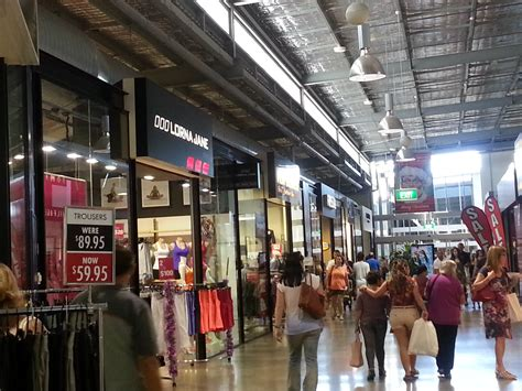 pre christmas shopping dfo live in bne