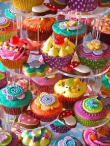 colorful cupcakes 30 colorful cupcakes cupcakes gallery