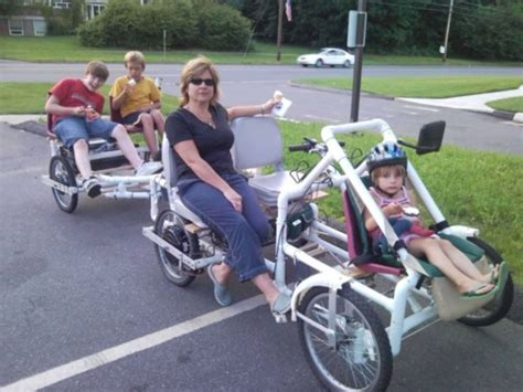 build from pvc pipe car two passenger pulling two passenger trailer with a kid