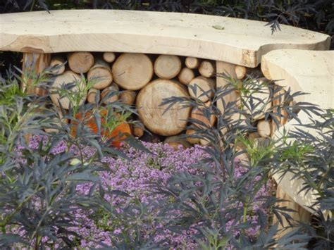 how to make a garden bench from logs 4 small gardens at the hton court flower show 2010