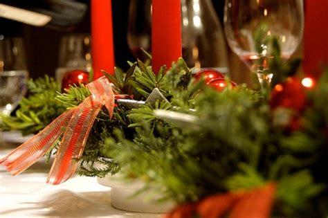 decorazione tavola natalizia la tavola natalizia idee per decorazioni semplici ed eleganti