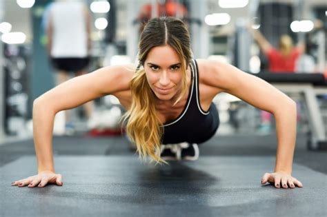 imagenes fitness girl gym woman muscles health exercise photo free download