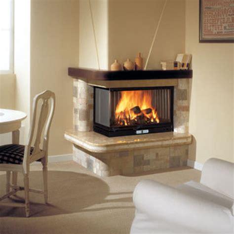 trei divani caminetto rustico caminetti rustici da riscaldamento