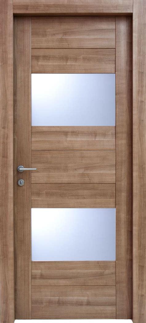 porte d ingresso in legno 17 migliori idee su porte in legno su porte d