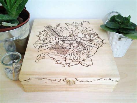 Decoration Boite Bois by 4 232 Res De D 233 Corer Une Bo 238 Te En Bois Crayons Pinceaux