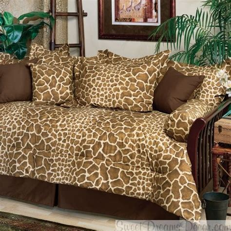giraffe print bedding 17 best images about omg i just love giraffe print on
