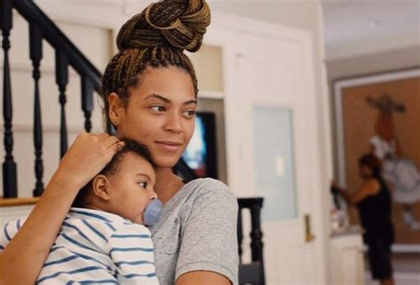 film blue child beyonce reveals baby blue is already reading flashcards