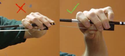 Teknik Termudah Menggesek Biola Ori cara memegang bow biola musikbiolaku