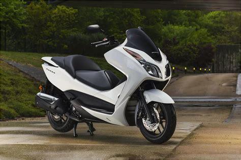 honda reflex honda reflex motor scooter guide motorcycles catalog