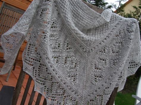 knitting patterns for scarves nz hearts in estonia scarf and shawl soozasknitting