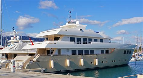 yacht brands used luxury motor yachts for sale