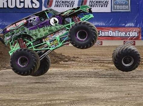 wheels bigfoot monster truck 1000 images about cool 4 wheel in pictures on pinterest