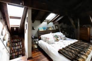 wohnideen kleines zimmer kleines schlafzimmer unter dachschr 228 ge roomido