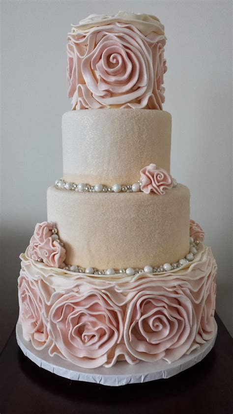 hochzeitstorte altrosa large rosette winter wedding cake ella vanilla