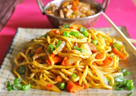 hakka cuisine recipes easy chicken hakka noodles recipe yummyfoodrecipes in