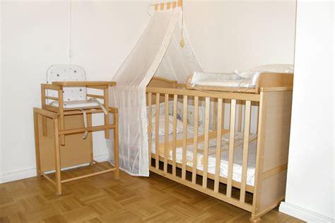 Kleines Bad Verschönern by Schlafzimmer Einrichten Mit Babybett