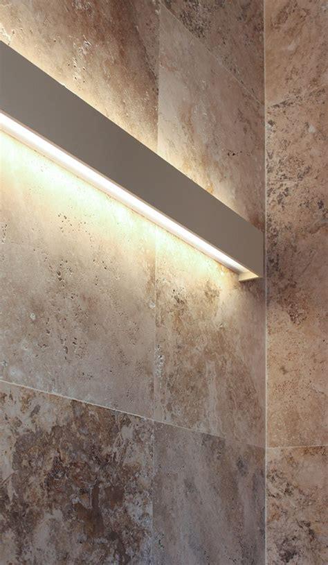 piastrelle muro pietra illuminazione a parete