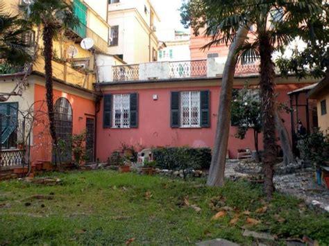 indipendenti vendita genova casa indipendente in vendita a genova via antica romana di