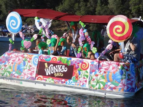 willy wonka boat willy wonka boat google search willy wonka the
