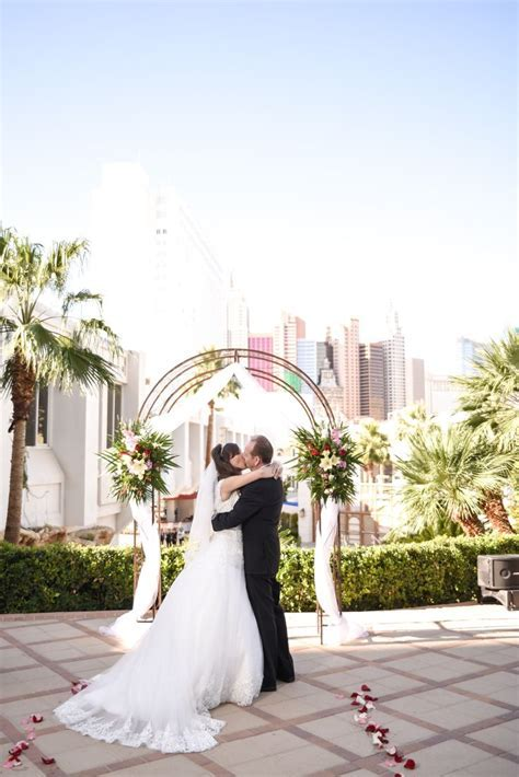 487 best Wedding Photography Sessions   Las Vegas Weddings