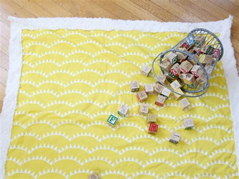 how to make a baby comforter 20 easy sewing projects for beginners
