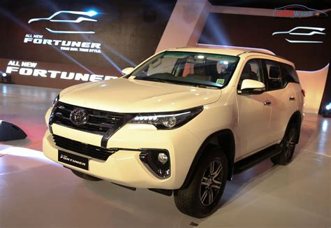 Toyota Fortuner Price In India All New 2016 Toyota Fortuner Launched Price Specs Features
