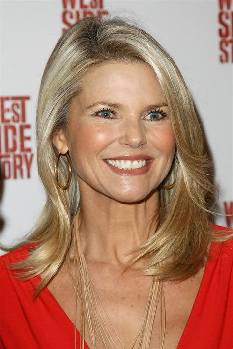 todays hairstyles for a young 60 year old more pics of christie brinkley medium straight cut 9 of