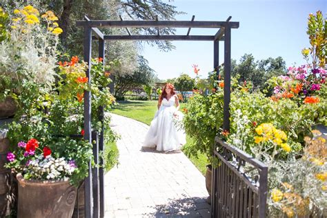 best time for wedding in california a classic country wedding complete in california