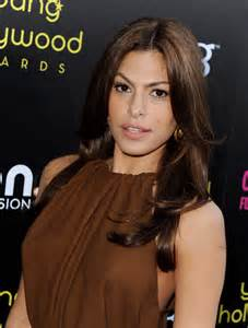 Eva mendes long straight cut eva mendes hair looks stylebistro