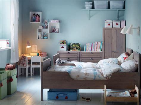 chambre enfant bois lit en bois de chambre enfant photo 6 10 un ensemble complet de meubles en bois pour la