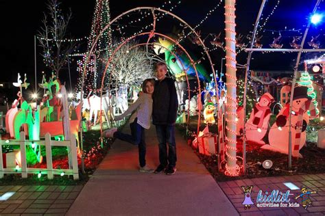 Best Christmas Decorations In Chicago Suburbs Best Lights Chicago Suburbs