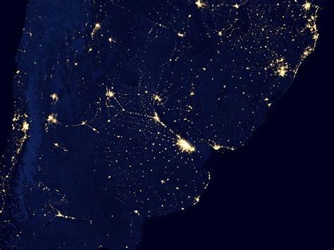 imagenes satelitales nocturnas de la tierra c 243 mo se ve tu pa 237 s por las noches desde el espacio