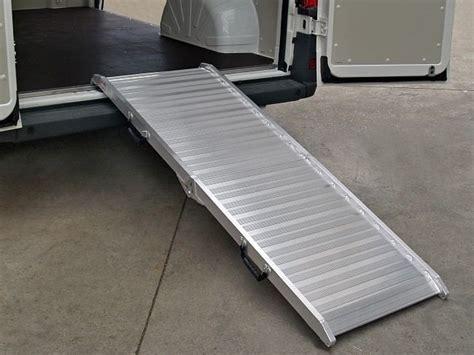 pedane per furgoni pedane di carico per furgoni cerutti giulio