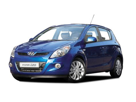 hyundai i20 features specifications mileage review price