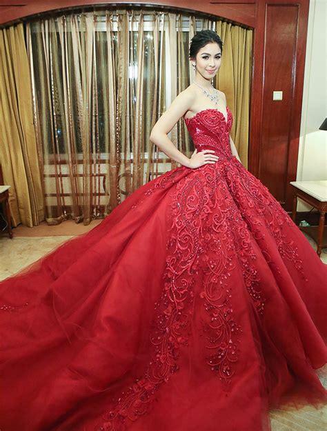 Dress Lala Merah barretto s debut dress preview