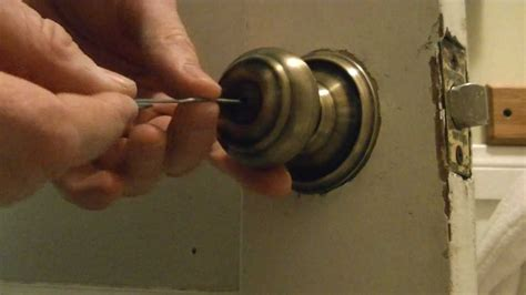 How To Open Locked Door Knob by How To A Bathroom Door Lock
