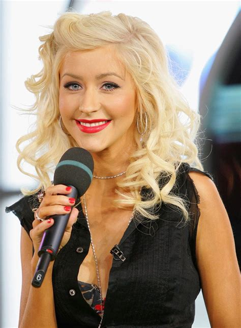 30 Meters To Feet by Christina Aguilera Bra Size Age Weight Height