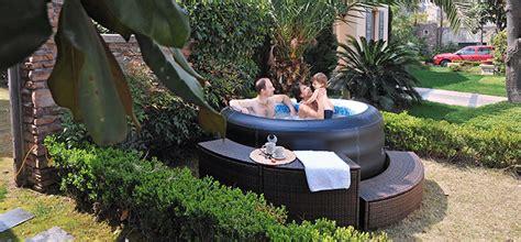 Whirlpool Outdoor Test by Outdoor Whirlpool Bezahlbarer Luxus F 252 R Den Garten