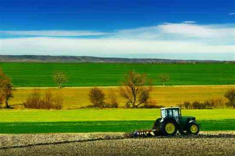Fresh Homes veterans to farmers sustainable farming mother earth news