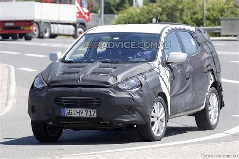 2009 Hyundai Ix35 Crossover Suv Spied Photos 1 Of 5