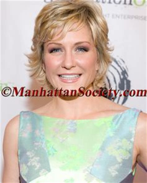 carlson haircut on blue bloods bob more of amy carlson s hair hairstyles pinterest grey