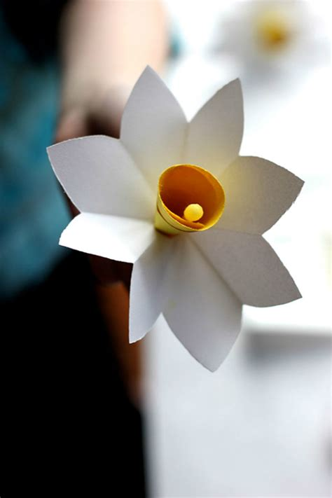 How To Make Paper Daffodils - lasting charm diy paper flowers for your home the