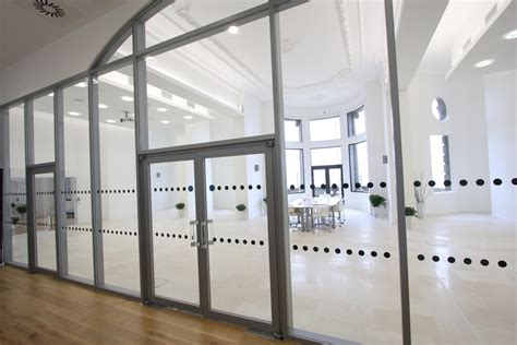 10 Ways Fire Rated Glass Doors Are Essential In A Modern Glass Door Office