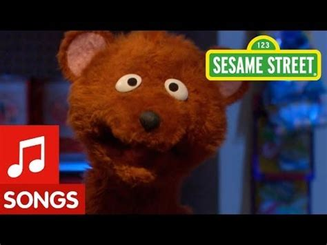 hot chick on sesame street sesame street do quot the bear quot with baby bear vidoemo