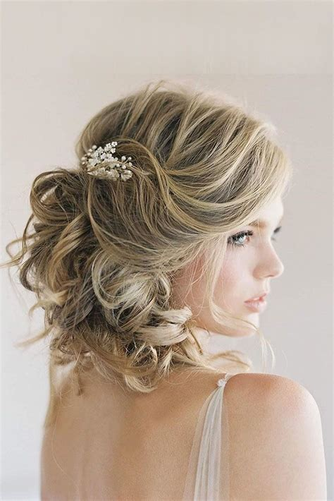 hairstyle ideas for going to a wedding short wedding hairstyle ideas curly hair with accessory
