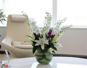 Office Desk Flowers Office Flowers And Office Plants By Luxury Corporate Florist Todich Floral Design Ltd Uk