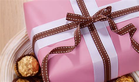 wrapping gift fancy gift wrapping ideas the koch blog